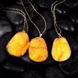 Geplateerde Goud van de Halsband van de Tegenhanger van de Steen van het Kristal van de Juwelen van de manier het Gele Natuurlijke