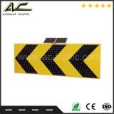 Sinal de tráfego solar de advertência de passeio elevado do triângulo do cruzamento de estrada de Luminace
