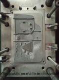Stampaggio ad iniezione di plastica personalizzato per il ricambio auto