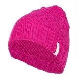 女性のニットの帽子、冬の間適した流行様式