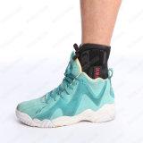 プライベートラベルの堅い版のバスケットボールのための黒によってパッドを入れられる足首サポート