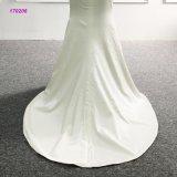O vestido de casamento real da amostra fora deve projetar o vestido nupcial da sereia cheia do comprimento