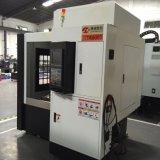 El CNC graba la máquina para el proceso del molde de metal