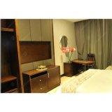나무로 되는 가구를 가진 현대 홀리데이 인 호텔 침실 가구