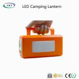 Plástico de luz LED linterna recargable para acampar Lámpara portátil