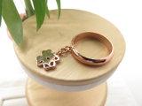 ローズの金張りのめっきされた方法宝石類の花の形の銅質のリング