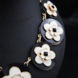 Colar retro da pérola da jóia da forma com flor grande