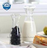 De loodvrije Dik gemaakte Fles van het Glas, De Fles van het Vruchtesap, de Koude Fles van de Drank, de Fles van de Drank van het Stro, de Fles van de Melk