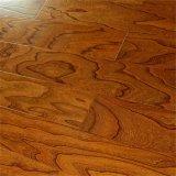 Les systèmes de cliquetis imperméabilisent le plancher multicouche en bois solide