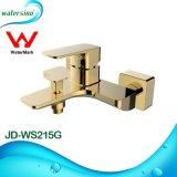 Jd-Ws215g Gold Banheira com chuveiro quente mistura Venda Chuveiro Torneira montada na parede