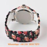 Vigilanza di ceramica del grande quarzo popolare con la cinghia di ceramica Fs582