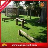 Beau paysage de décoration de jardin vert gazon artificiel