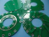 Le double a dégrossi des modèles de la fabrication 4 de carte de prototype dans un panneau