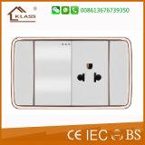 Interruptor elétrico da parede com soquete do Mf