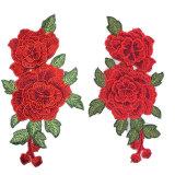 カスタム赤い衣服のための花によって刺繍されるパッチの鉄on/Sewか帽子または昇進
