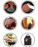 Il grembiule del BBQ impostato con il barbecue lavora gli utensili e gli accessori