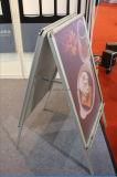 Стойка плаката рекламируя щелчковую рамку