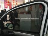 Parasoli adatti del lato dell'automobile di figura