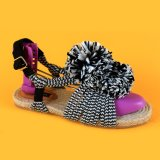 Повелительницы раскрывают пец ноги светотеневые, котор Striped связывают вверх Espadrilles сандалий