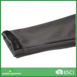 OEM는 Manufacturer가 공급한 Softshell 회색 재킷을 주문을 받아서 만들었다
