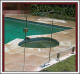 둥글거나 편평한 Polished 가장자리를 가진 3-19mm 깊은 곳에서 가공된 단단하게 한 유리