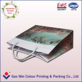 L'impression personnalisée à la main à l'Emballage Sac de papier avec logo Lamination brillant