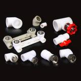 L'estremità di plastica di nomi e di formati dell'elemento dell'impianto idraulico ha saldato 90 l'accessorio per tubi maschio del filetto del gomito di grado PPR