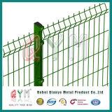 曲げられた金網の塀のパネル3Dは溶接された塀の網を曲げた