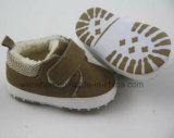 コーデュロイファブリック小さいスニーカーの赤ん坊靴Ws1068