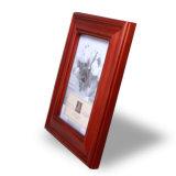 在庫の映像のホールダーのための木の写真フレーム