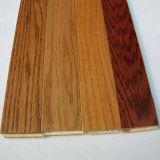 Handscrapedの木製のフロアーリングによって設計されるカシは木の寄木細工の床フロアーリングに床を張る