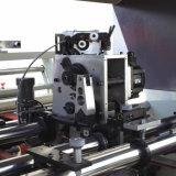 Máquina cosedora automática con la carpeta para caja de cartón