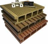 O WPC piso em deck de madeira piso de plástico traves diretamente da fábrica