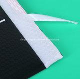 黒い混合のプラスチック・バッグ