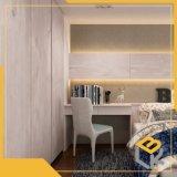 赤いクルミの木製の穀物デザインメラミンImpregnatdeは家具のためのボードに直面した