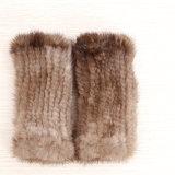 Kind-schwarzer Pelz-Mantel-Mantel mit Handwärmer/Dame-ledernen fahrenden Handschuhen