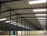 Almacén prefabricado profesional del panel de emparedado de la fabricación/estructura de acero
