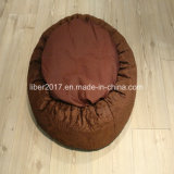 静かに暖かい円形のブラウン猫犬のソファーベッドのプラシ天ペット家具
