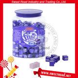 ブルーベリーの味の立方体のミルクのタブレットの甘い正方形のクリーミーなキャンデー
