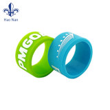 Ambientale il braccialetto su ordinazione di Cartton del silicone più poco costoso per fare pubblicità