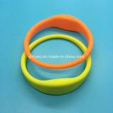 Diametro sottile eccellente 67mm del Wristband del silicone di passivo NFC NTAG213 RFID