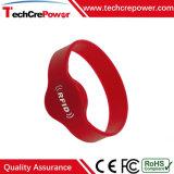 Wristband su ordinazione impermeabile all'ingrosso del silicone del braccialetto RFID con Hitag2