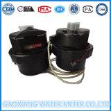 Medidor de água de pistão volumétrico de nylon com saída de pulso