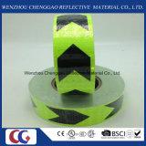 Schwarzer und grüner Pfeil Belüftung-reflektierendes Band mit Kristallgitter
