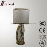 ホテル装飾的なリネンファブリック枕元の磨かれた真鍮の閲覧机ランプ