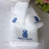 Toalhas 100% bordadas da alta qualidade do algodão da absorção logotipo elevado