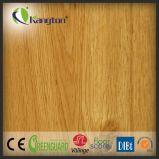 Décoration luxueuse en PVC carrelage en bois avec motif en bois