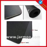 Пустой черный выдвиженческий коврик для мыши