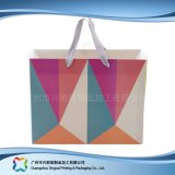 Sac de transporteur de empaquetage estampé de papier pour les vêtements de cadeau d'achats (XC-bgg-026A)