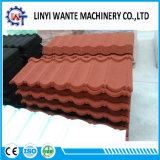 石造りの上塗を施してある金属の屋根か屋根ふきのとらわれのタイプタイル